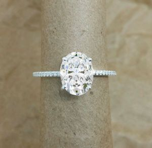 Solitaire Diamond Engagement Rings - Classic cut diamond