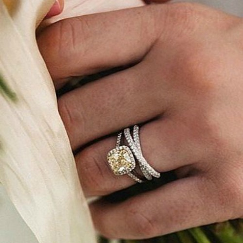 How to pair engagement rings with wedding rings cape for Wedding rings to go with solitaire engagement ring