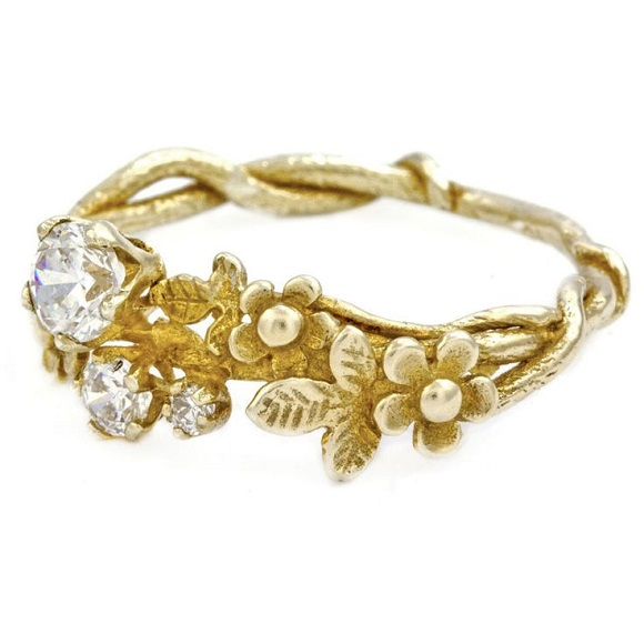 rare-and-unusual-engagement-rings-gold-floral