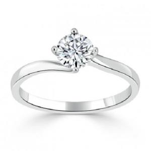 Exquisite Platinum Engagement Rings - Twist