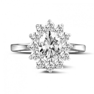 Incredible Oval Engagement Rings to Inspire - Floral
