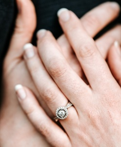 How to Drop an Engagement Ring Hint