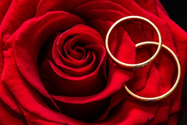 How to Choose an Anniversary Ring for Your Love